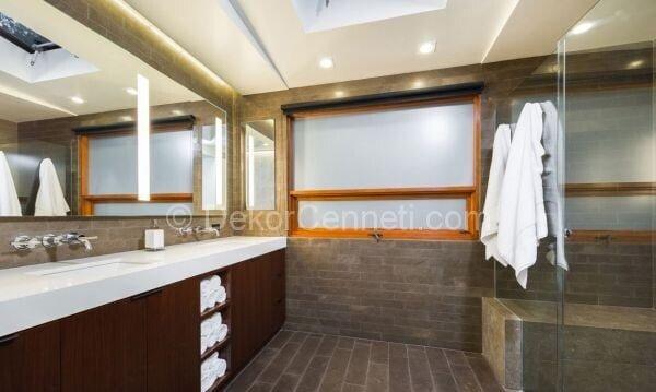 banyolarda doğal taş ile dekorasyon