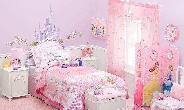 barbili-kiz-cocuk-odasi-dekorasyon-fikirleri