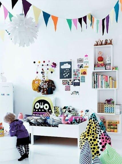 beyaz çocuk odası dekorasyonu