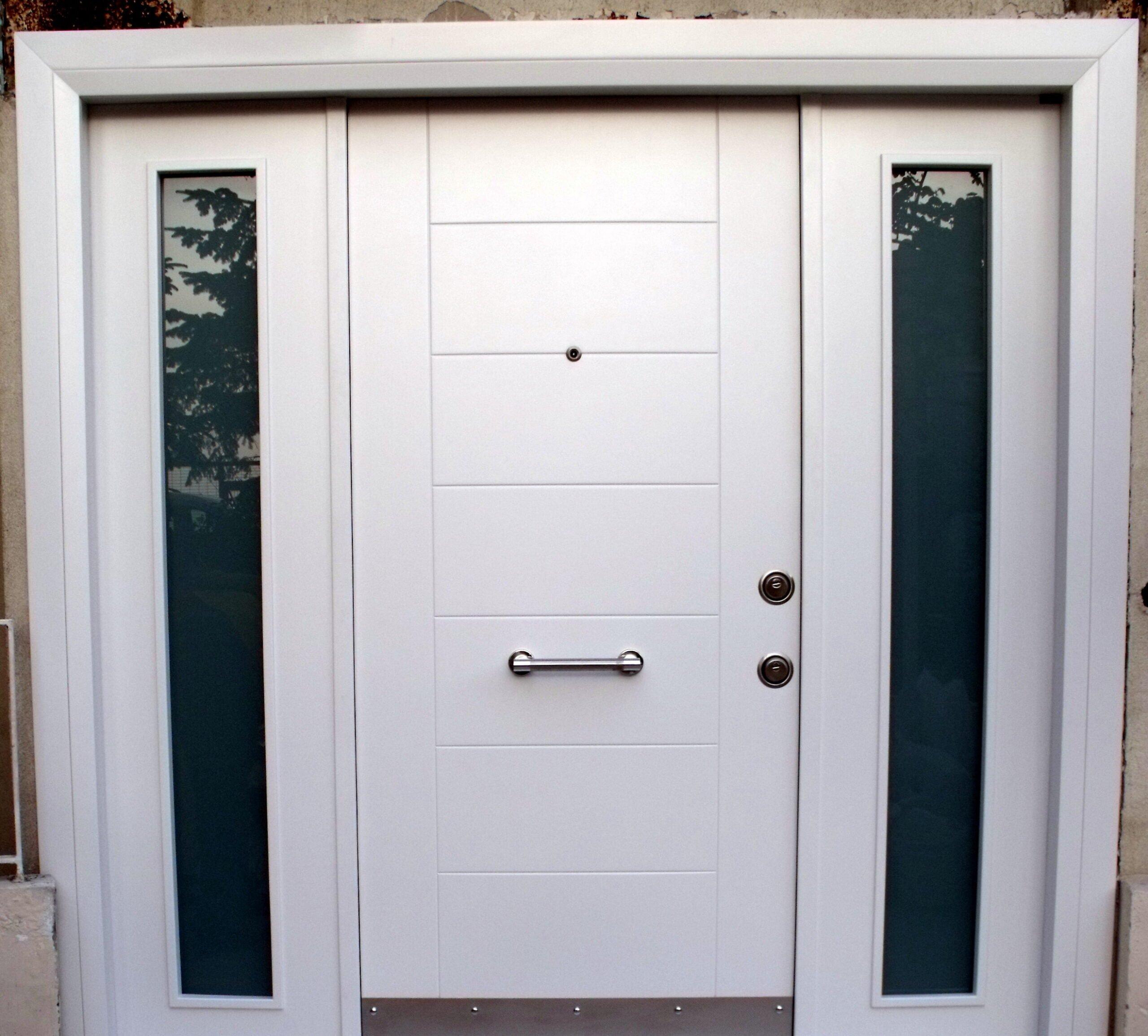 beyaz öelik kapılar
