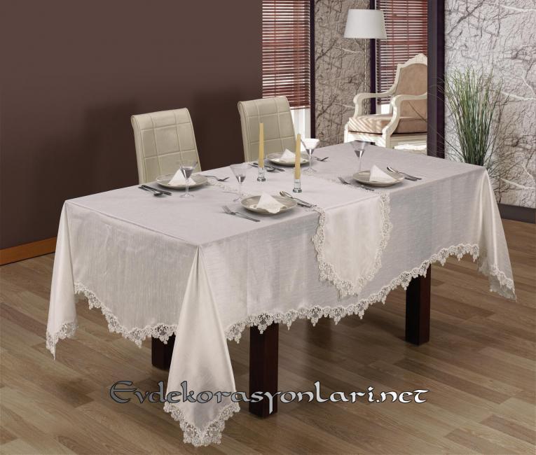 beyaz-gosterisli-masa-ortusu