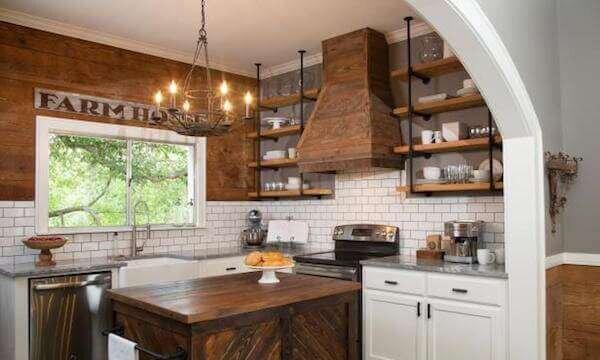 beyaz-mutfak-dekorasyonunda-tas-kullanimi