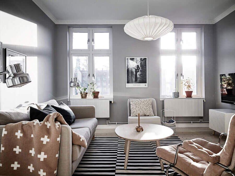 Çakıl Taşı Rengi İle Dekore Edilmiş Evler