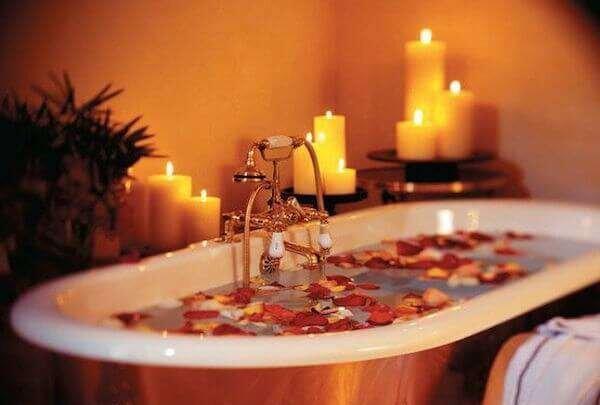 cok=romantik-banyo-modelleri