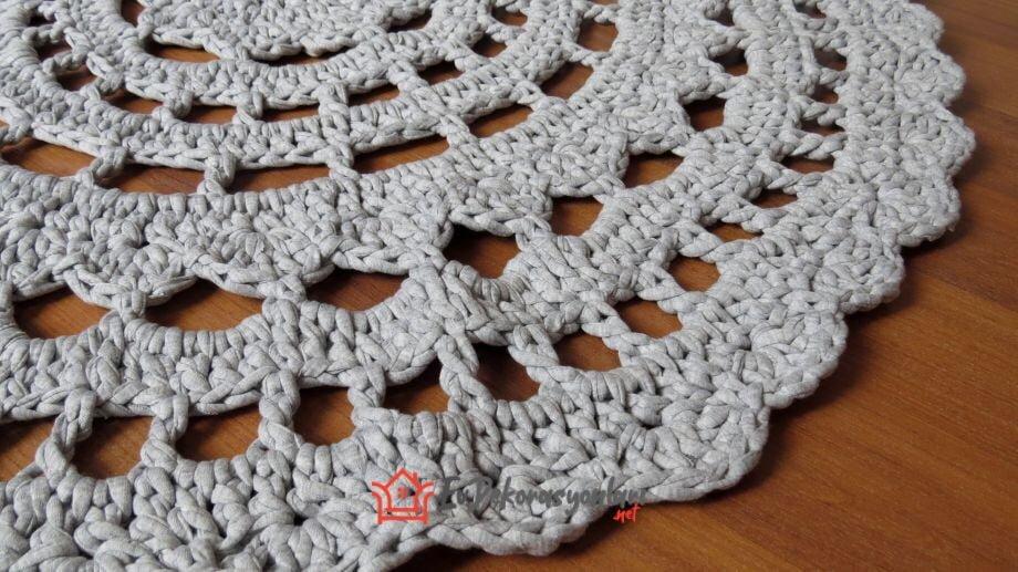 dantel motif ornegi penye ipten paspas modeli