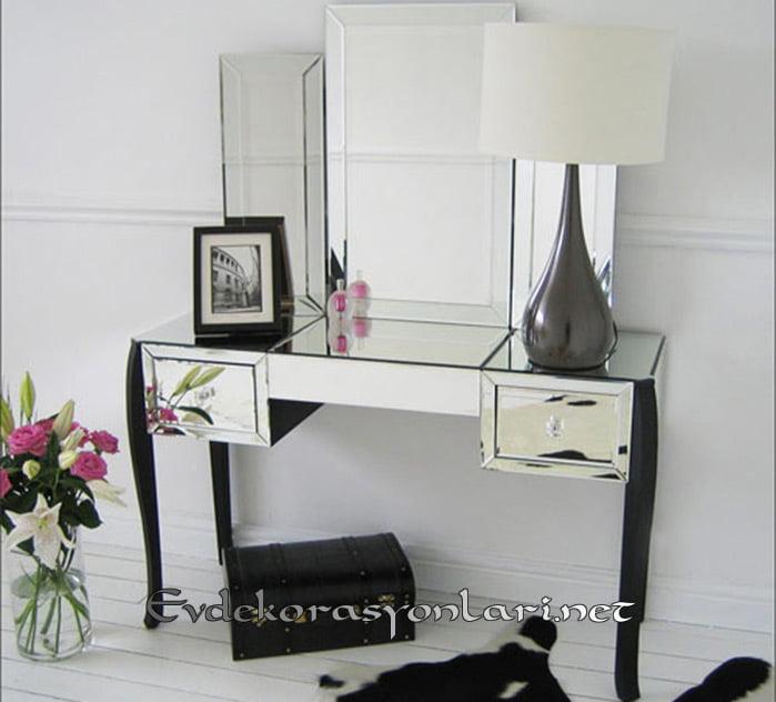 dekoratif aynali makyaj masasi modeli
