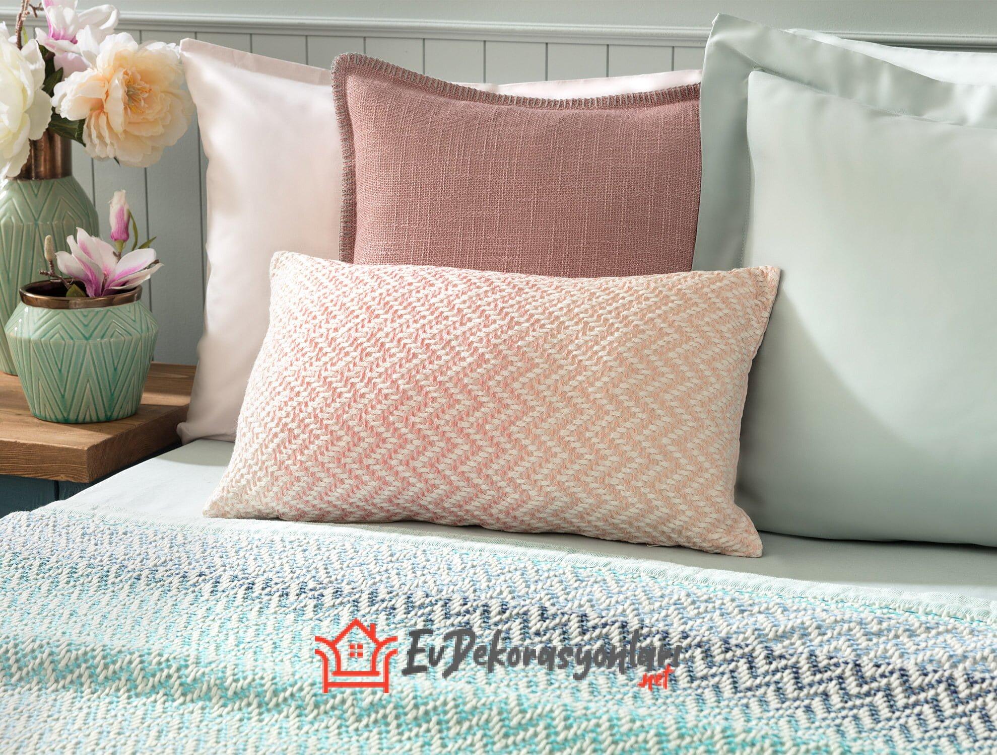 Dekoratif Kırlent ve Yastıkları Modelleri