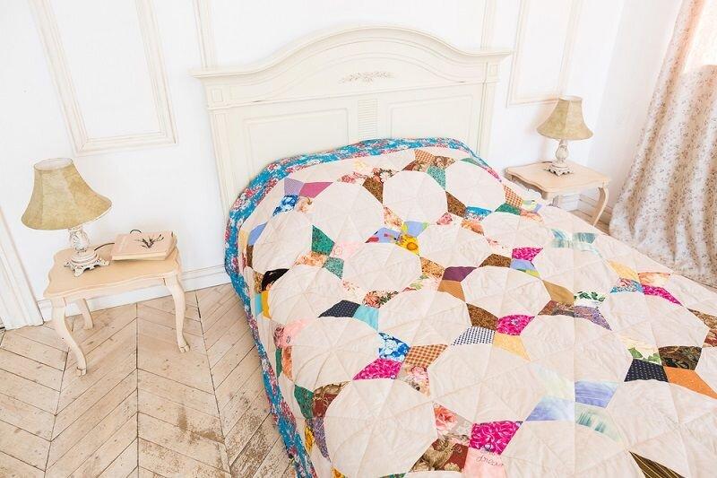 el yapimi patchwork yatak ortusu modeli