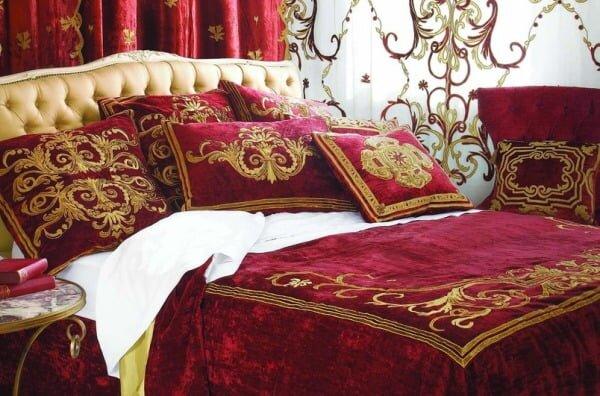 english home kadife gosterisli yatak ortusu modeli