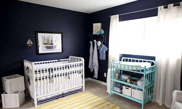 erkek-bebek-odasi-lacivert-duvar-kagidi-modelleri