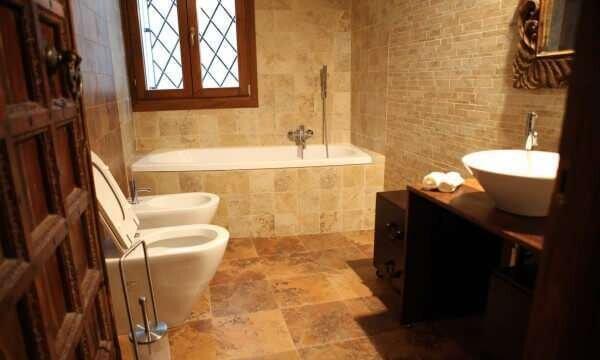 eski-mermer-banyo-aksesuarlari