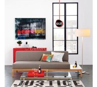 ev dekorasyonunda kırmızı ve gri