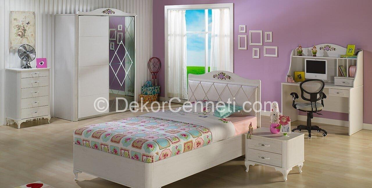 Güzel genç odası yatak başlığı Görselleri