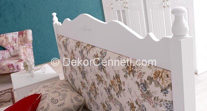 Güzel genç odası yatak başlığı Resimleri