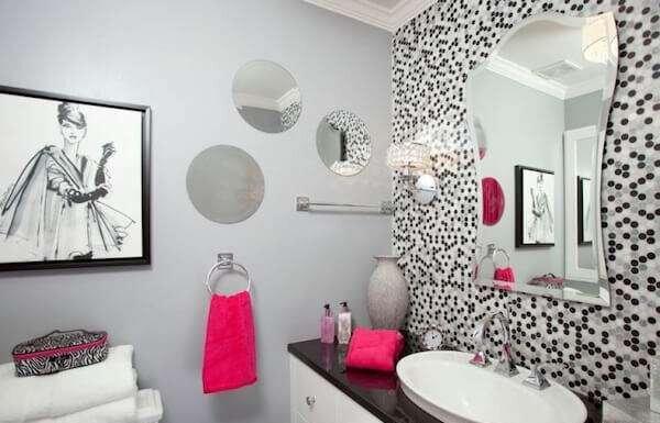 ilginc-banyo-duvar-kagidi-tasarimlari