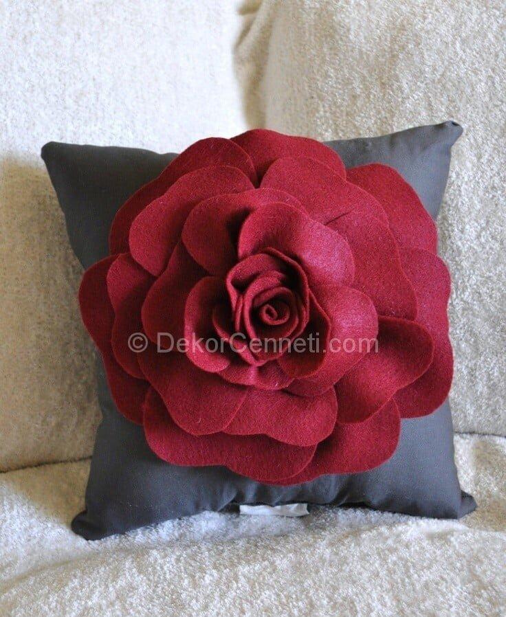 kırmızı gri yastık modeli