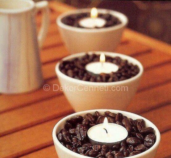 kahve çekirdeklerinin içinde mumlar