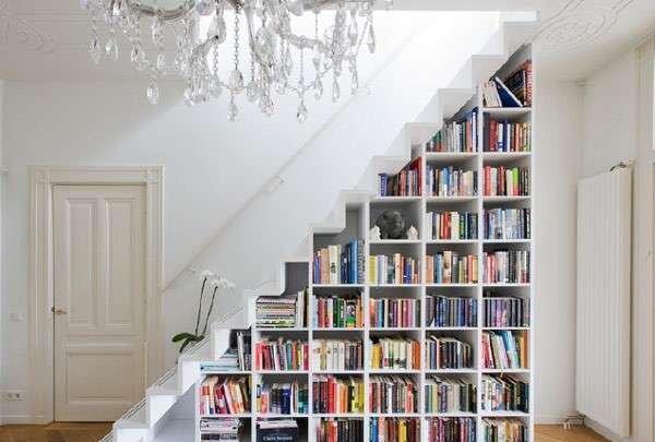 kitaplikli-merdiven-alti-dekorasyon-ornekleri