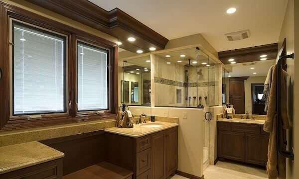klasik-banyo-dekorasyonunda-renk-uyumu