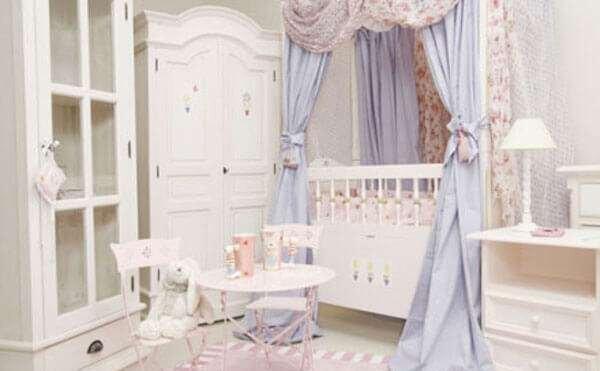 klasik-bebek-odasi-dekorasyonu