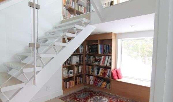 klasik-merdiven-alti-dekorasyon-ornekleri
