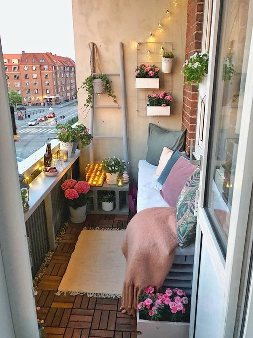 Küçük Balkon Dekoru İçin  Fikirleri