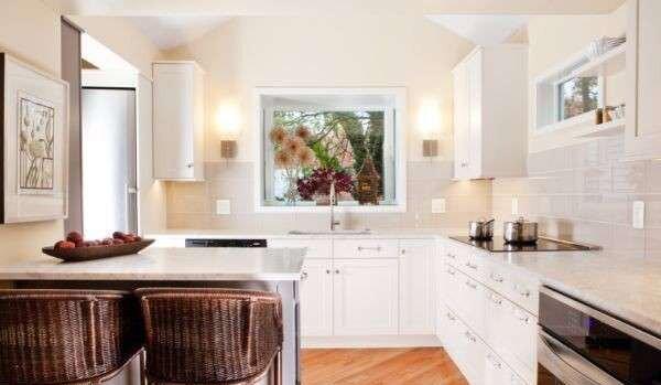 kucuk-kare-mutfak-dekorasyonu-ornekleri