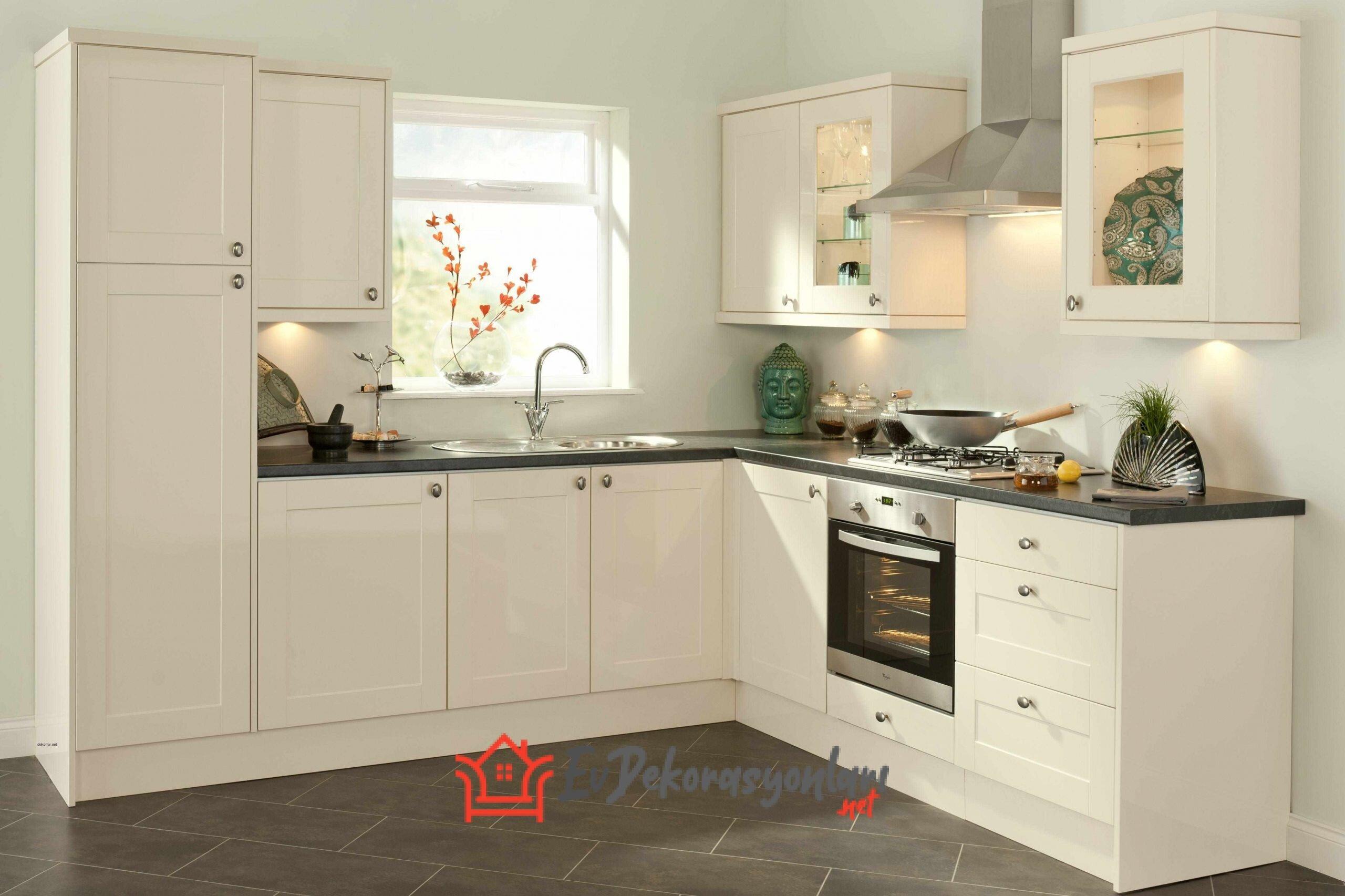 Küçük Mutfaklar İçin Can Alıcı Fikirler