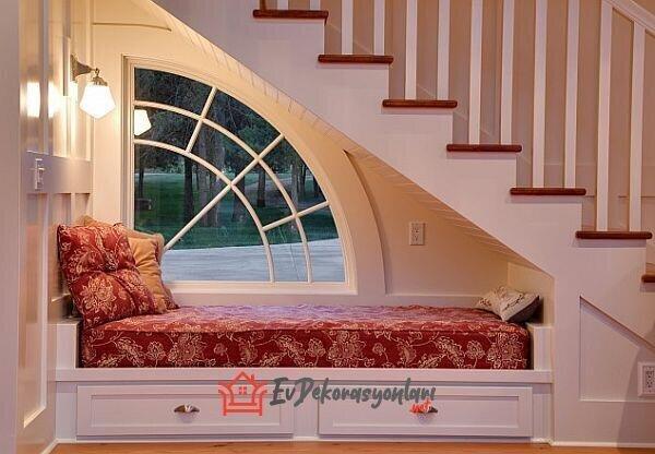 merdiven alti dinlenme kosesi dekorasyon modeli 2019