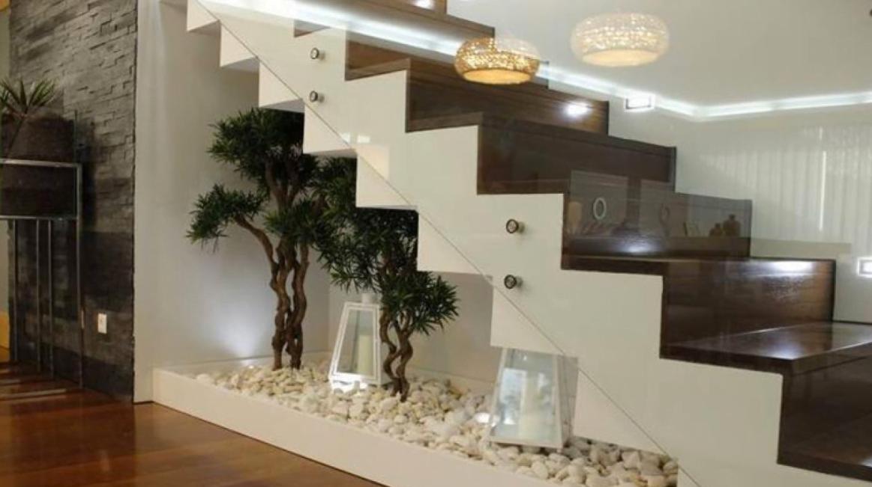 Merdiven Boşluğu Dekorasyonu