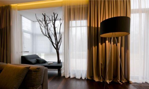 modern oturma odası i̇çin benzersiz perde mobilya renk uyum örnekleri