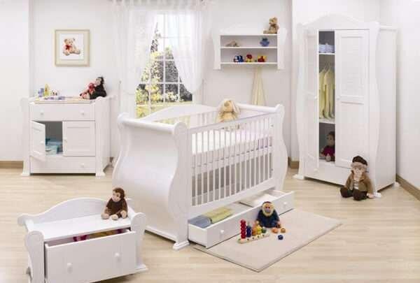 modern-beyaz-bebek-odasi-dekorasyonu