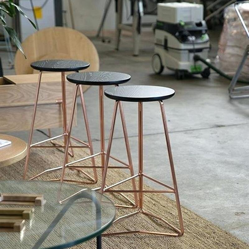 modern tarz metal ayakli bar taburesi modelleri 2020