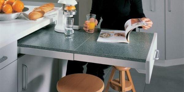 Çok Amaçlı Mutfak Dolapları ile Birleşik Masa Modelleri