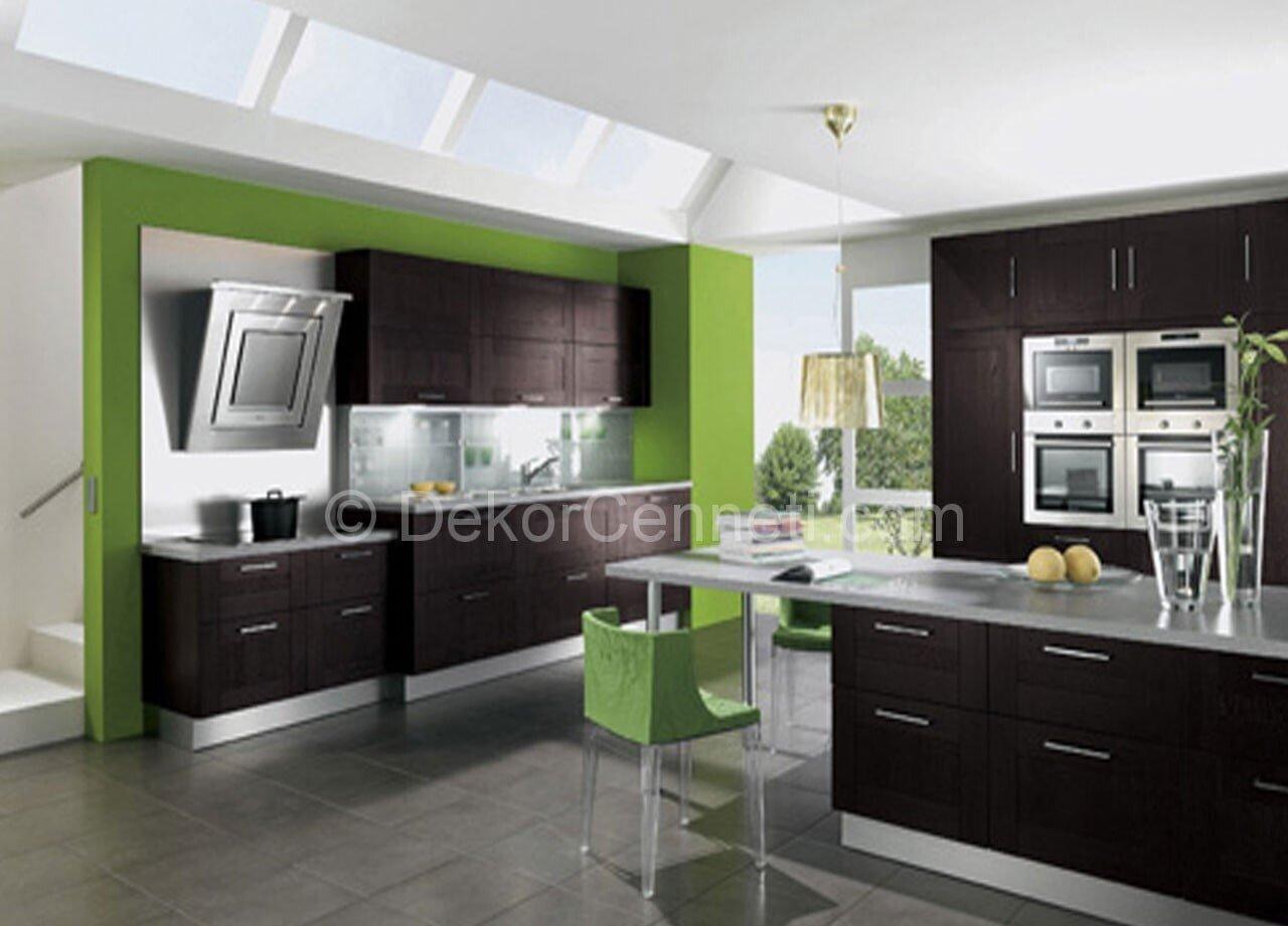 mutfaklarda siyah ve yeşilin uyumu