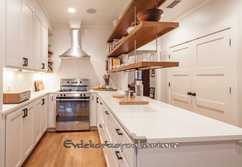 mutfakta acik raf dekorasyon fikirleri