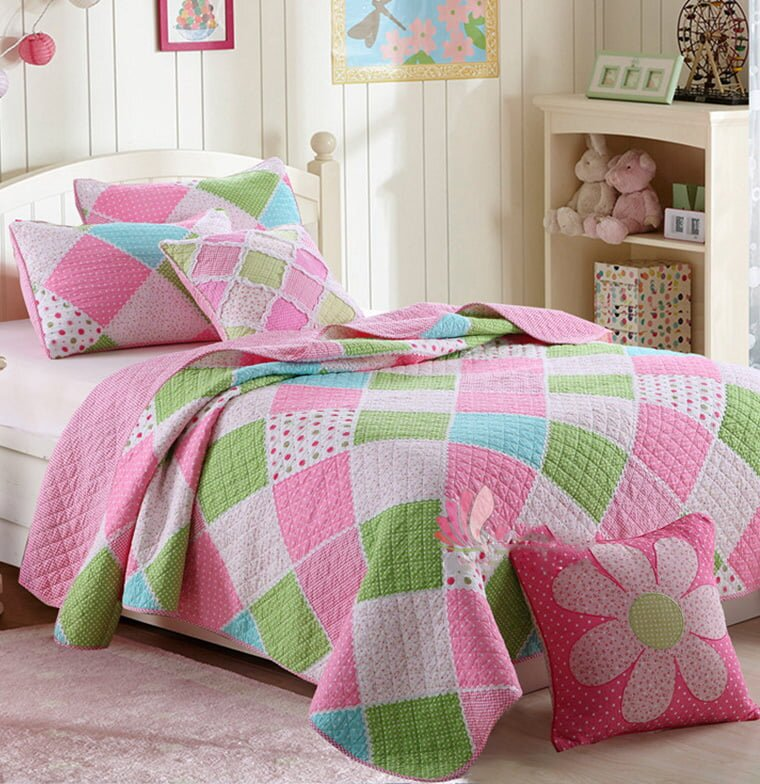 patchwork desenli kiz cocuk yatak ortusu modeli 2019
