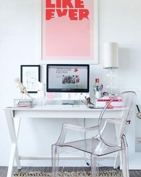 pembe beyaz ofis dekorasyonu