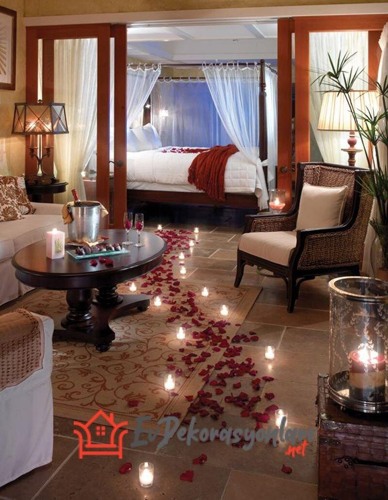 Romantik Ev Dekorasyonu Nasıl Yapılır?