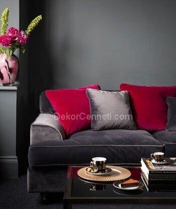 salon dekorasyonunda kırmızı ve grinin birlikte kullanılması