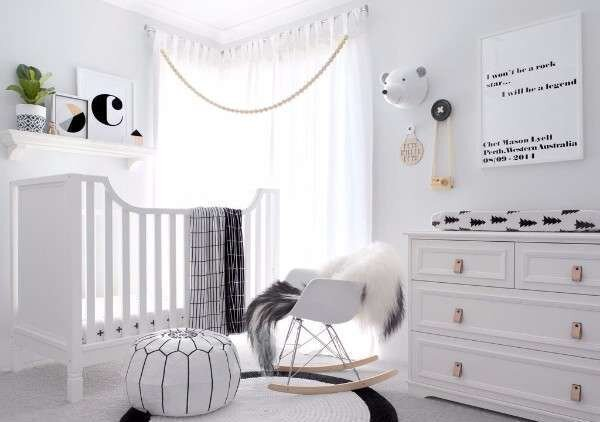 siyah-beyaz-bebek-odasi-takimlari