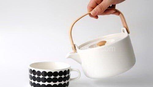 siyah beyaz çay takımı
