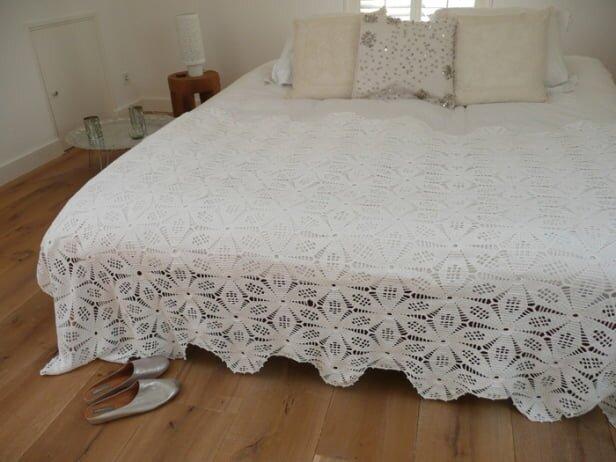 son moda el isi dantel yatak ortusu modelleri