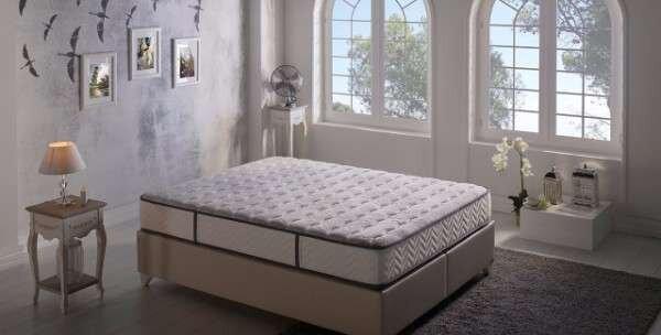 sunger-tasi-rengi-ile-yatak-dekorasyon