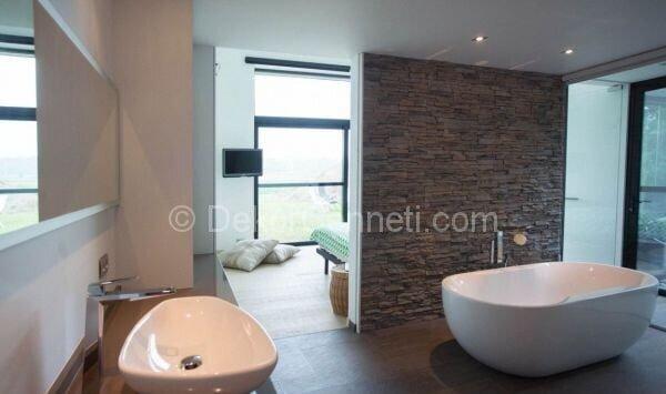 taş banyo duvarları