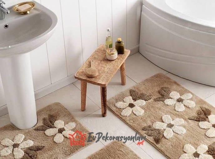 tac kahve bej cicek desenli banyo paspas modeli