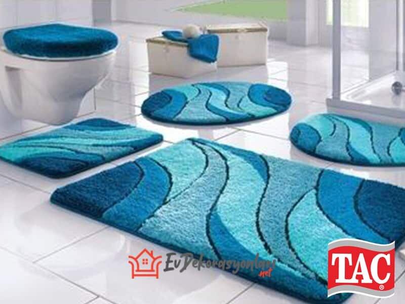 tac mavi desenli banyo paspas takimi modeli