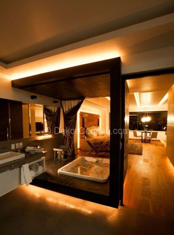 yatak odası içinde banyo