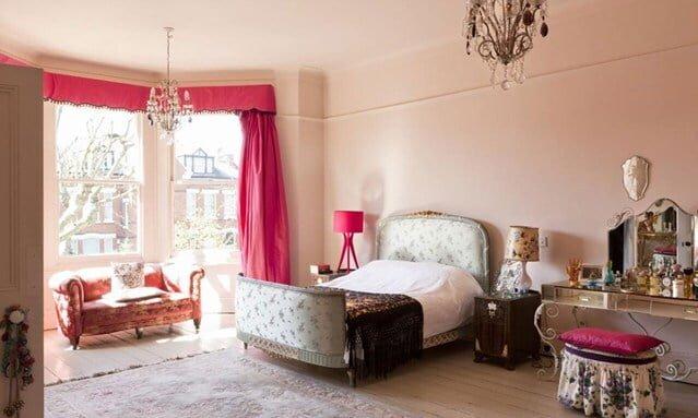 yatak odasında pembe lig kullanımı