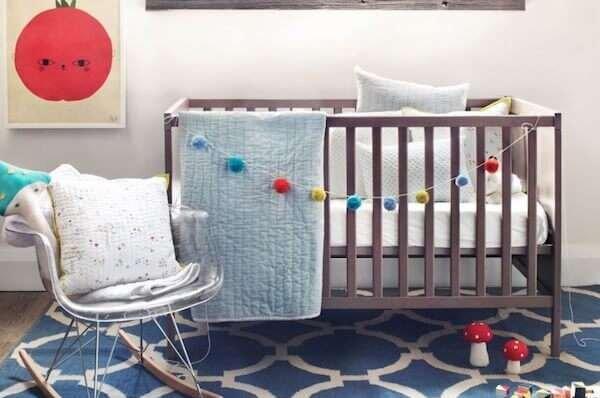 yazlik-modern-bebek-odasi-hali-modelleri